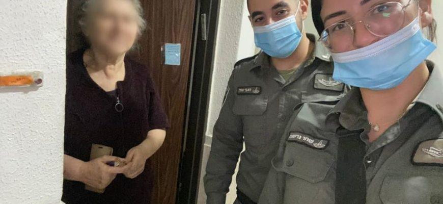 """שוטרי מג""""ב חילקו ערכות שבועות לקשישים וניצולי שואה"""
